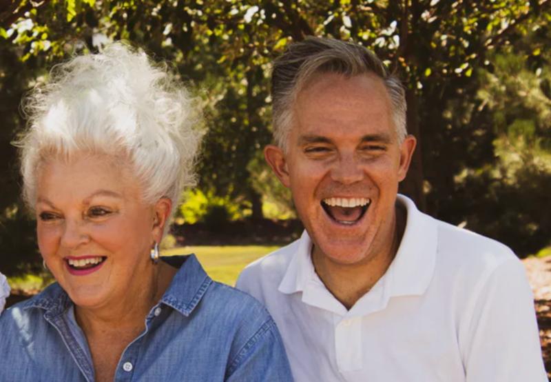 白髪の夫婦